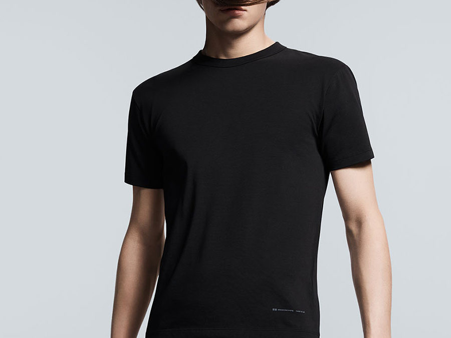 Alexander Wang×Uniqlo releasing on April 11th.